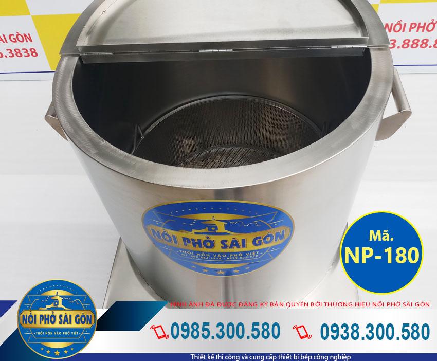 Thân nồi nấu phở bằng điện với chất liệu inox 304 cao cấp, dày dặn, bền đẹp (Ảnh thật tế).