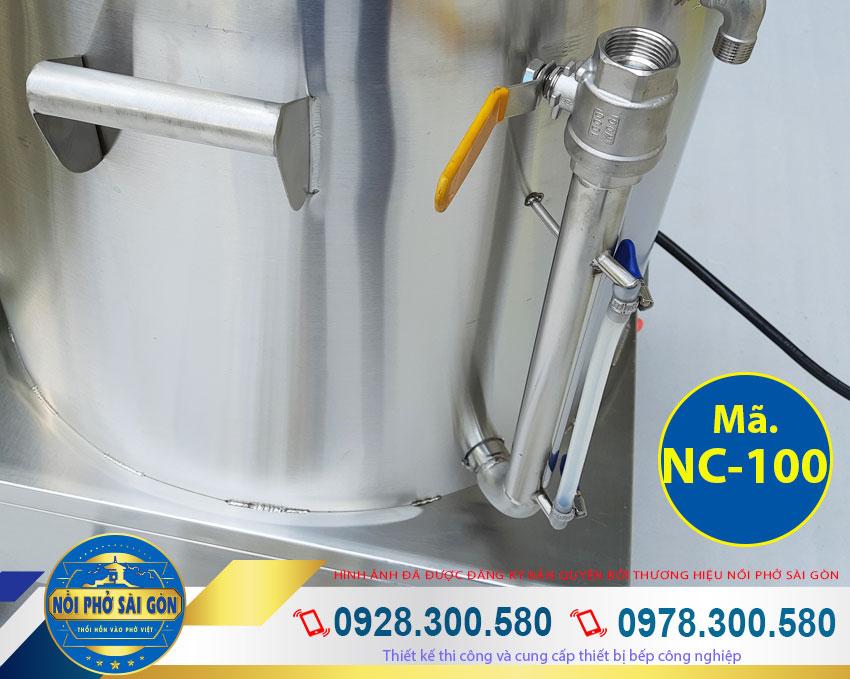 Thiết kế phần tay cầm và ống xả dầu nồi nấu cháo công nghiệp bằng điện. Với thiết kế bền đẹp, sang trọng (Ảnh thật tế).