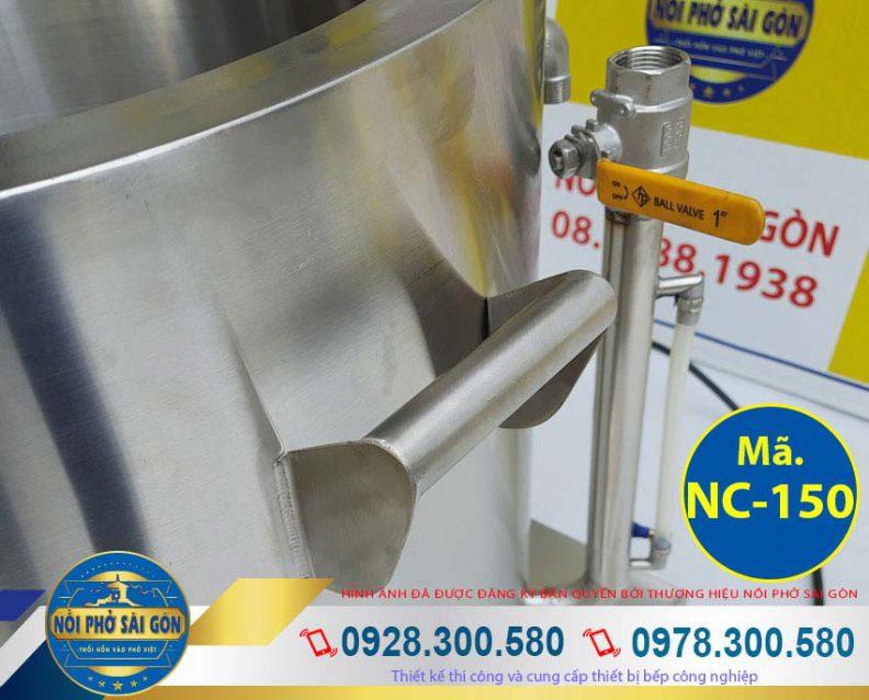 Chi tiết phần tay cầm và ống thăm dầu nồi nấu cháo công nghiệp, nồi nấu cháo bằng điện 70l. Với thiết kế chắc chắn bền đẹp cùng chất liệu inox 304 cao cấp (Ảnh thật tế).