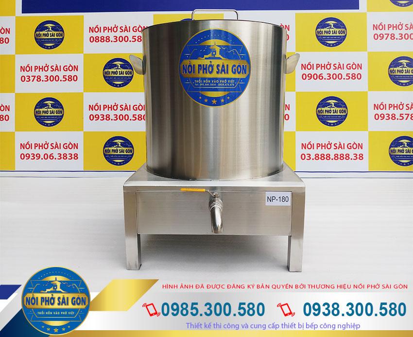 Nồi nấu phở bằng điện thương hiệu Nồi Phở Sài Gòn. Được sản xuất từ chất liệu inox 304 cao cấp, với kiểu dáng đẹp sang trọng.