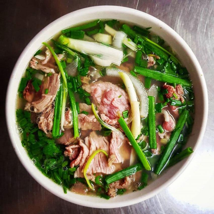 Công thức nấu phở bò kinh doanh hút khách thơm ngon đúng chuẩn vị Hà Nội.