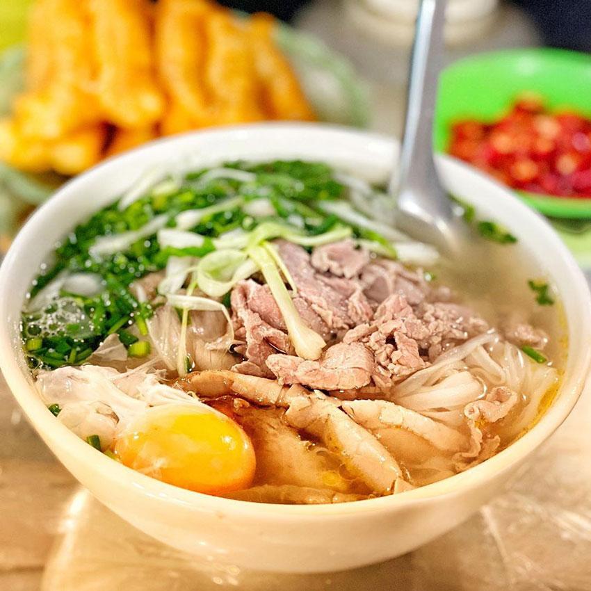 Cách nấu phở bò thơm ngon đúng chuẩn Hà Nội. Cùng với Nồi Phở Sài Gòn.